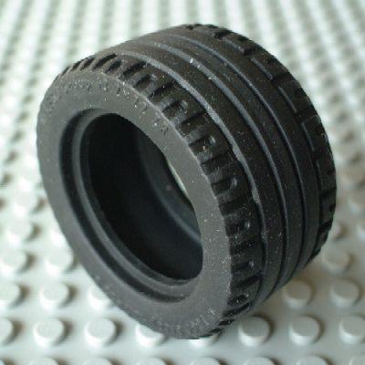 Tire 43.2 x 22 ZR