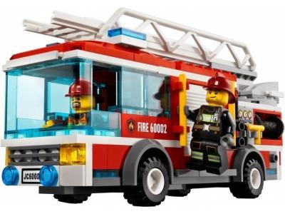 Пожарная машина с лестницей (Lego 60107)