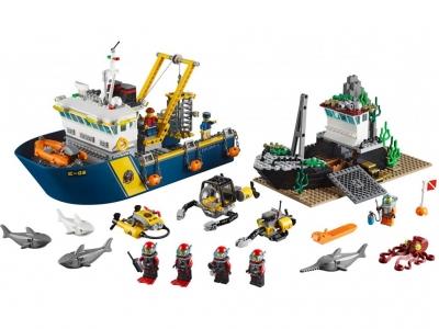 Корабль исследователей морских глубин (Lego 60095)